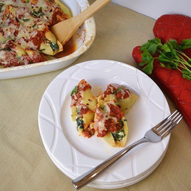 Spicy kale stuffed shells #vegetarian | Herbivorous Entree | Pinterest
