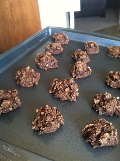 Beauty Lies in Strength: (Grain-free) chewy choco chip cookies