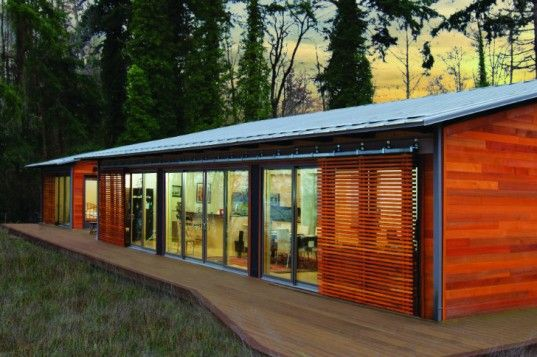 Blu homes unfolds a glidehouse prefab on vashon island in for Home builders washington state