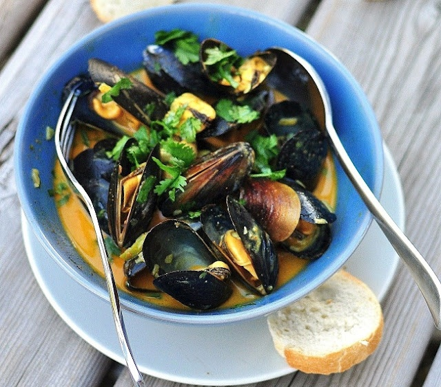 Mussels with Coconut Curry Lime Sauce and Cilantro by Verses from my ...
