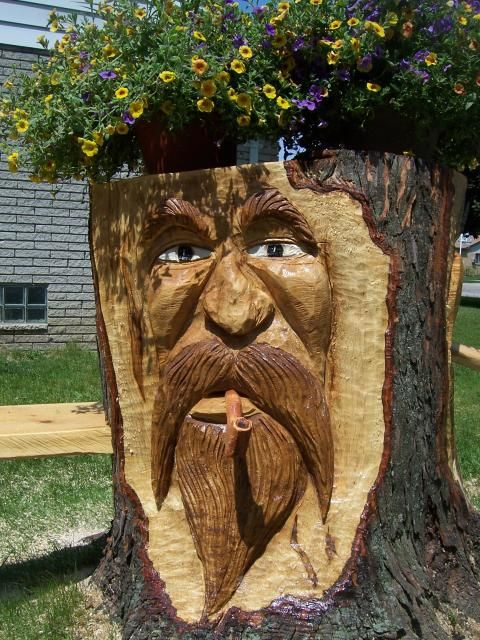 Pin by debbie dumont on art tree carvings sculptures