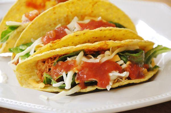 shredded chicken tacos /// super quick, super easy & super delicious!