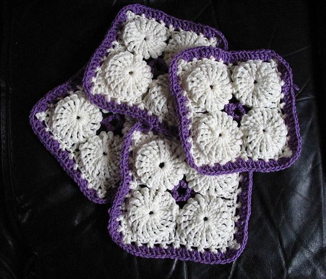 Crochet Tutorial Yo-Yo Puff : YOYO PUFF INSPIRATION ~Crochet Yo-Yo Puff Ghan Squares {by LadyWillow ...