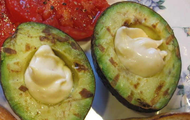 Avocado with Roasted Garlic Aioli | 50+ Flavor Toppings | Pinterest