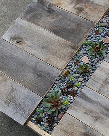 Table jardinière (palettes recyclées)  Garden : le jardin  Pintere ...