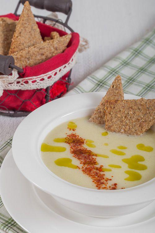 Leek soup and rye oat biscuits Супа от праз с ...