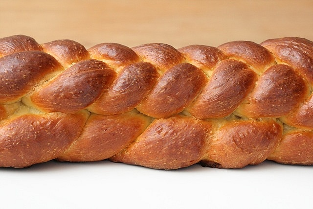 challah bread | Eat & Drink - Bread & Biscuits | Pinterest