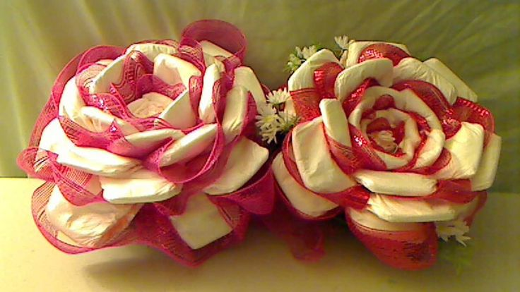 Цветок из памперсов своими руками 12