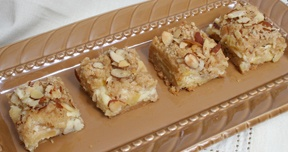 Almond Cheesecake Apple Bars | desserts | Pinterest