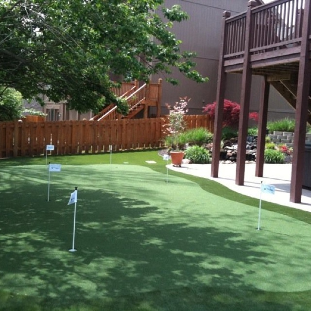 backyard putting green at home putting greens