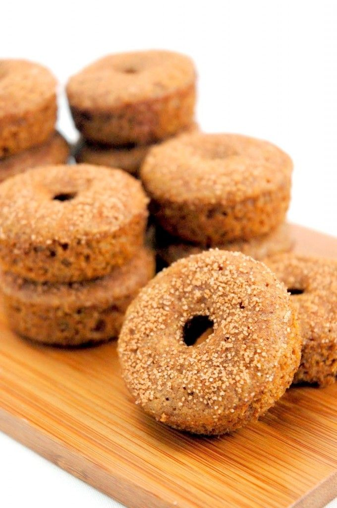 vegan baked apple cider doughnuts | This made me hungry. | Pinterest