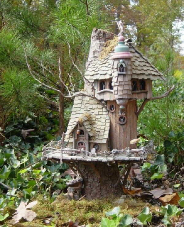 Fairy garden house on top of tree stump dollhouses for House garden trees