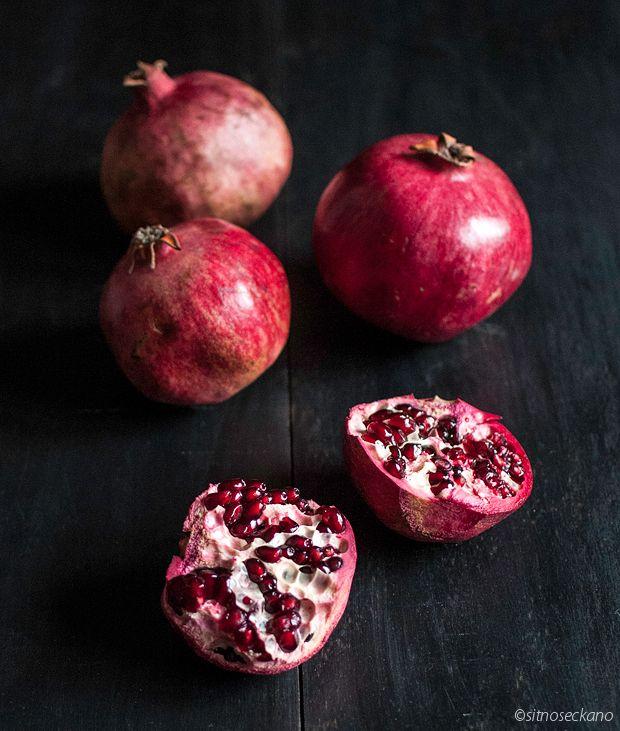 Coconut pomegranate panna cotta | Recipes | Pinterest