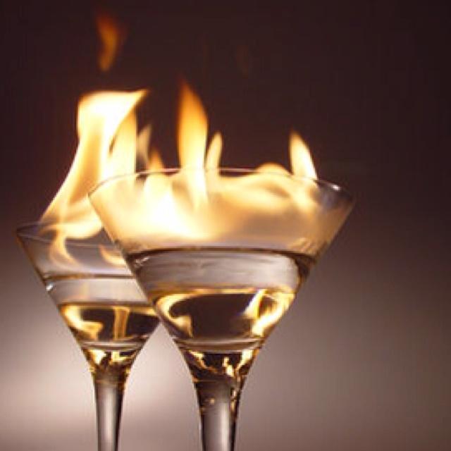 Hot cocktail drinks pinterest for Hot alcoholic beverages