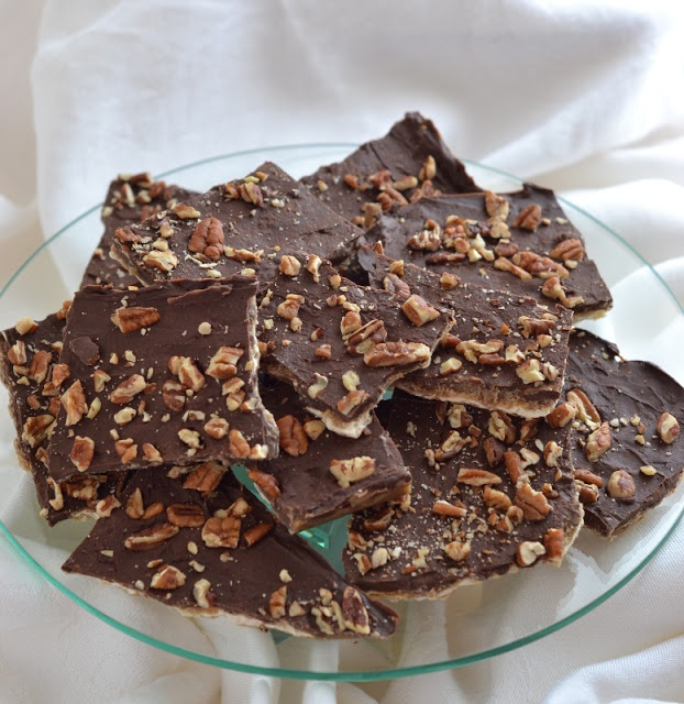Chocolate Covered Toffee Matzah ~ It's super-duper easy to make, and ...