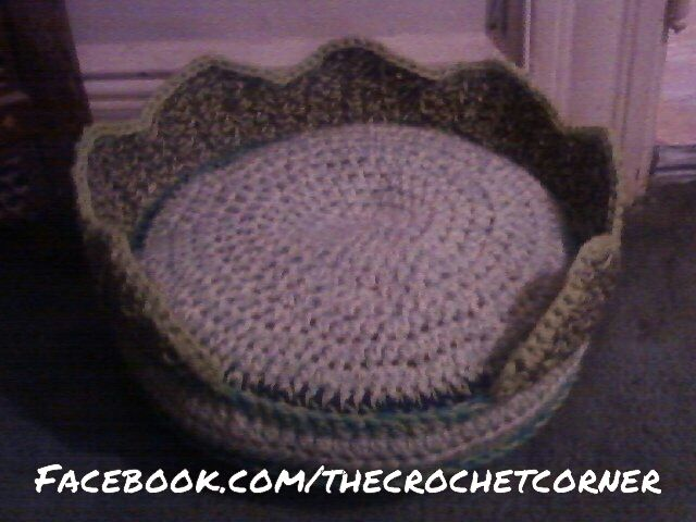 Crochet Patterns Pet Beds : Pin by Gregg-Cassie Hennen on Crochet for pets Pinterest