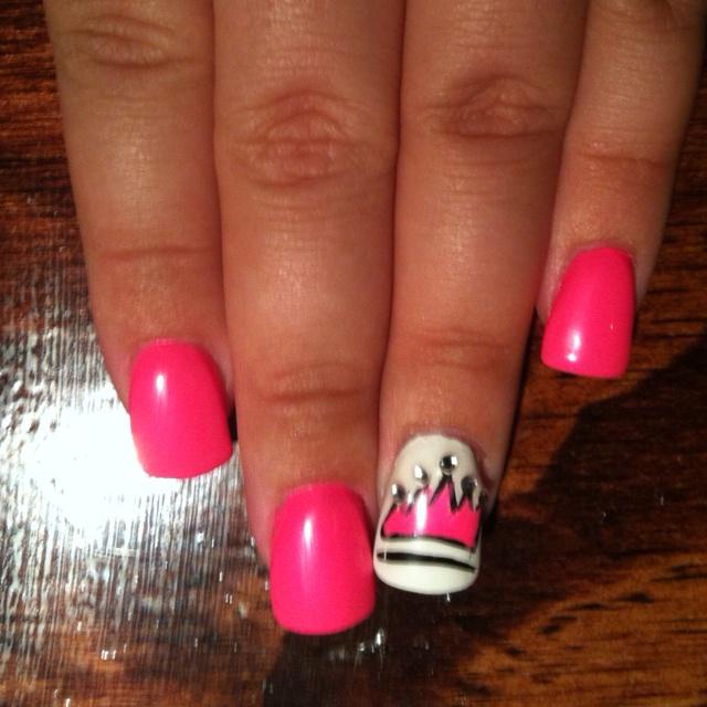 #princess #crown #pink #nails