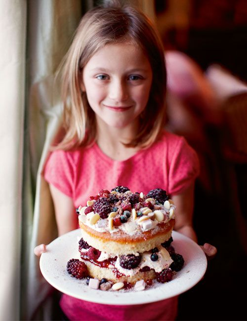 Iced Berry Cake (aka Messy Mother's Day Cake) from Leite's Culinaria ...