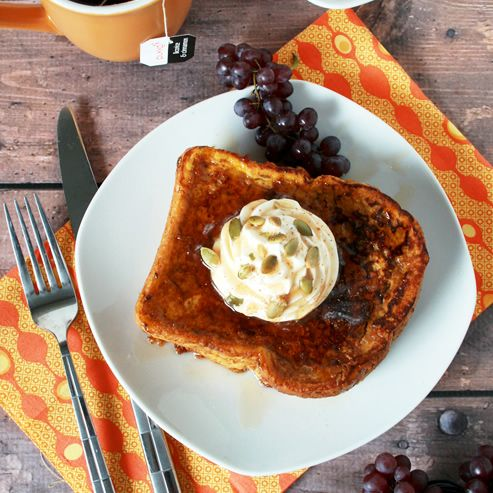 Pumpkin+Pie+French+Toast+with+Cinnamon+Whipped+Cream