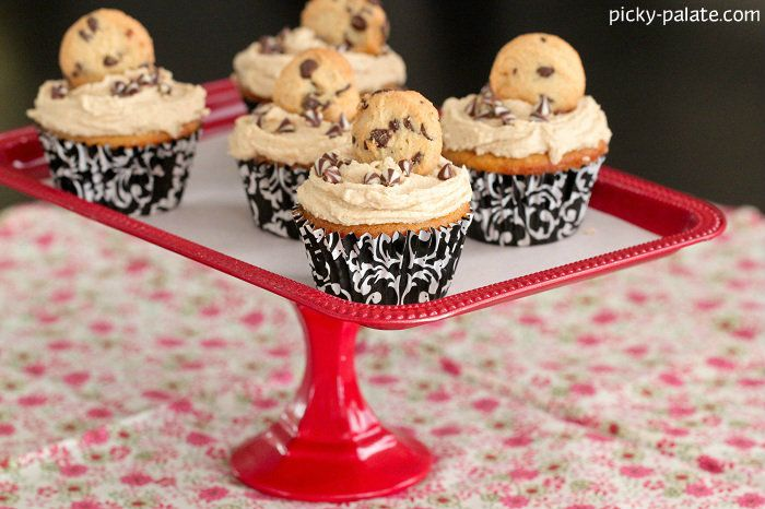 White Chocolate Cupcakes with Cookie Dough Frosting 3