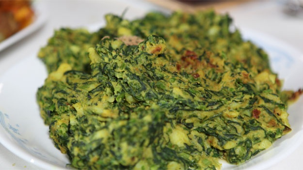 Potato and spinach with poppy seeds recipe (alo-palang posto)