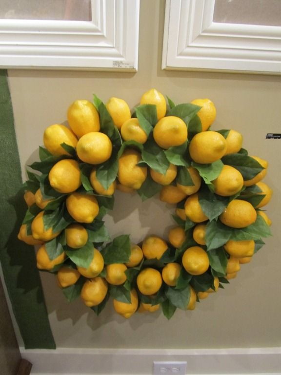lemon wreath for my future lemon and lime kitchen!