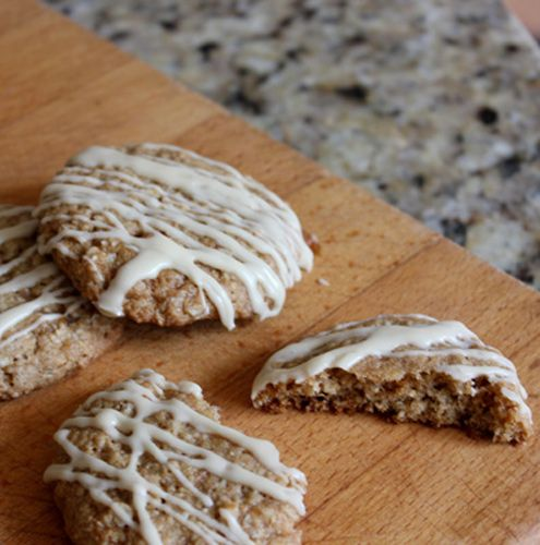 Chewy Oatmeal Cookies with Maple Sugar and Drizzled Maple Icing | Rec ...