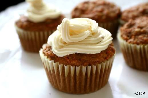 Carrot cupcakes with mascarpone cheese frosting