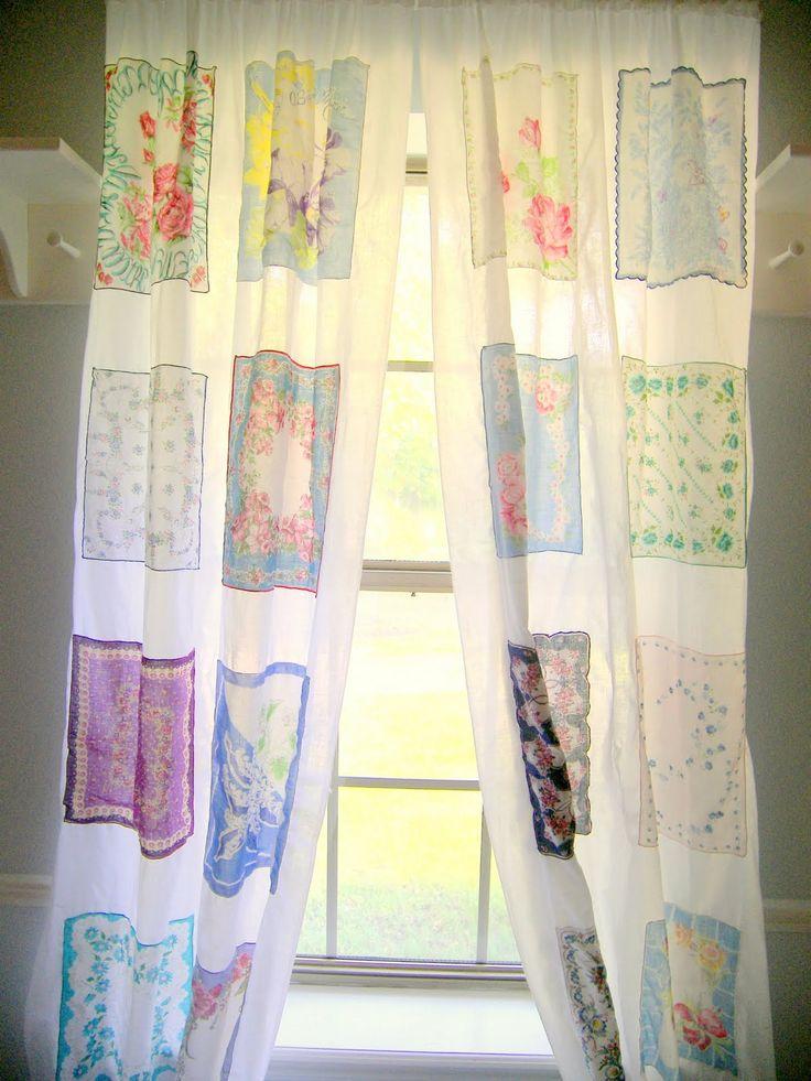 Великолепные шторы, изготовленные из старинных платочками.  Это одна особенно красиво.