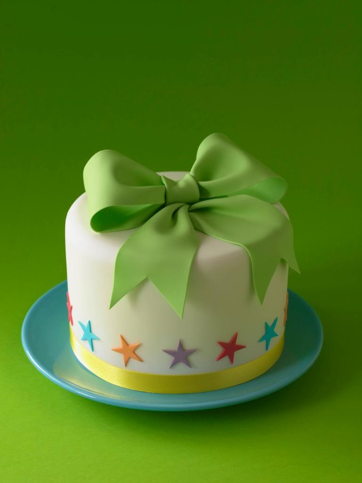 This cake looks so delicious, I would even eat the bow. Oh ...
