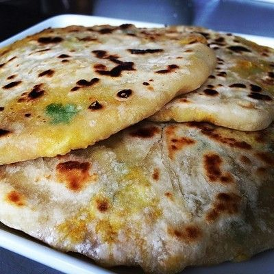 Aloo Paratha – Indian bread stuffed with potato – Low calorie ...