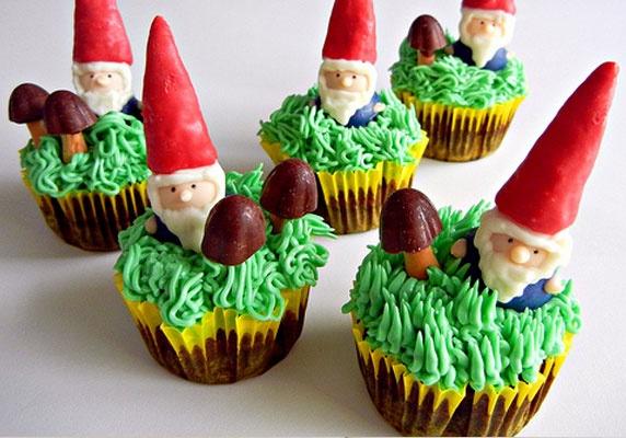 Des cupcakes nains de jardin anniversaire enfants kids for Costume nain de jardin