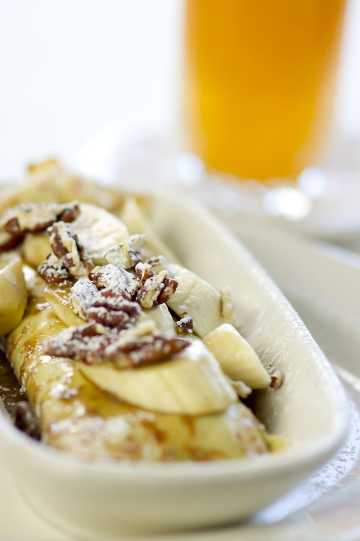 ... maple glaze. Topped with more bananas, pecans and drizzled with glaze