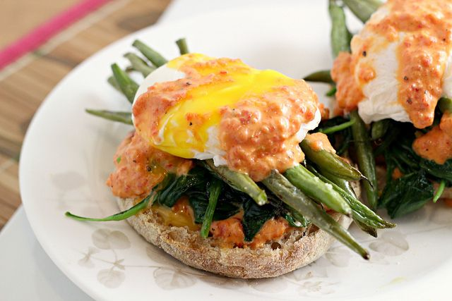 Recipe: Vegetable Eggs Benedict {eat.live.be}   Eats Well With Others ...