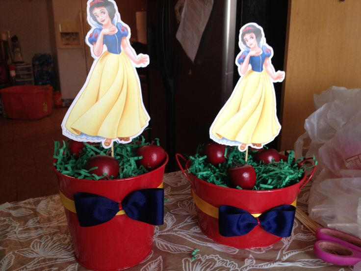 Snow white birthday party centerpiece craft pinterest