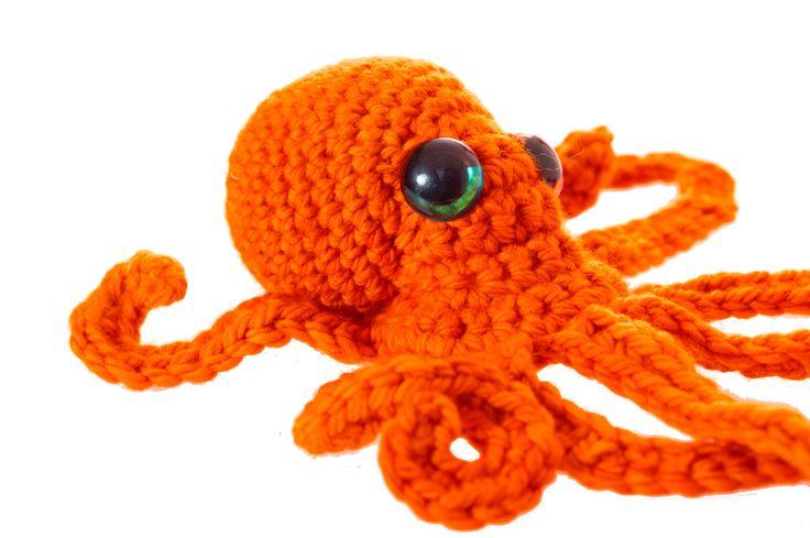 Realistic Octopus crochet pattern PDF.