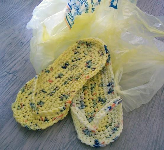 Crocheting Using Plastic Bags : Plastic Bags + crochet= flip flops crochet