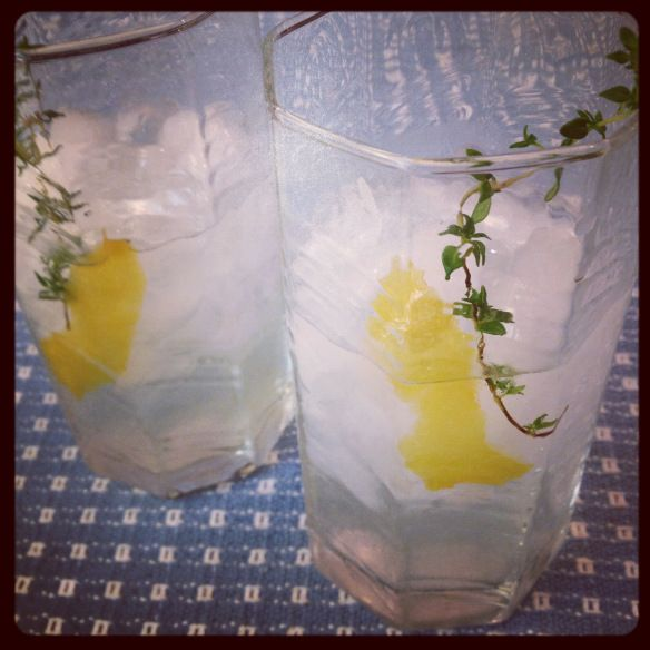 Lemon Thyme Cocktail | Things to eat and drink | Pinterest