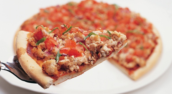Chicken, tomato and basil pizza | I want to be a Foodie! | Pinterest