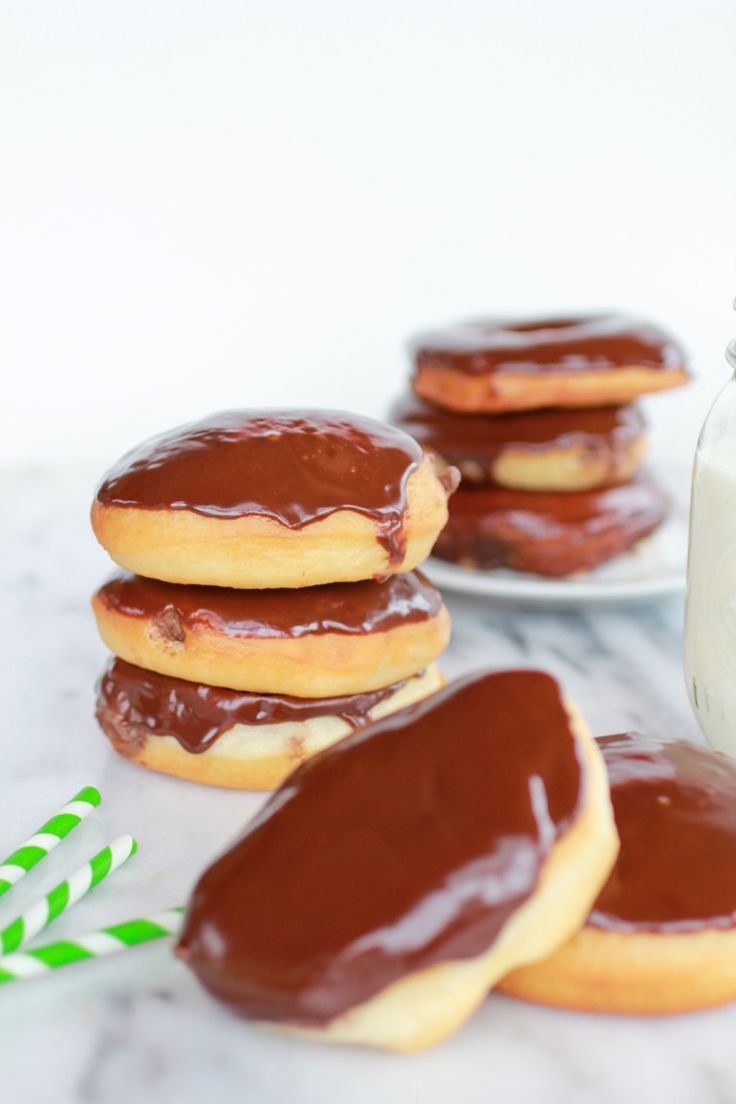 Chocolate Irish Cream Filled Dounuts-1