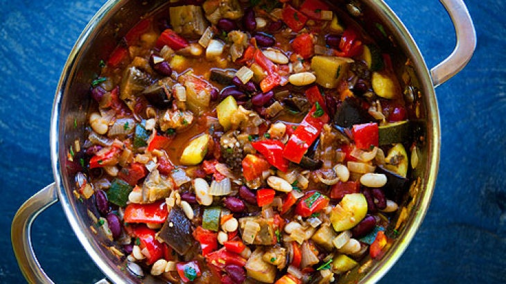 Spicy Vegetarian Chili--This is so pretty! Can't vouch for how it ...