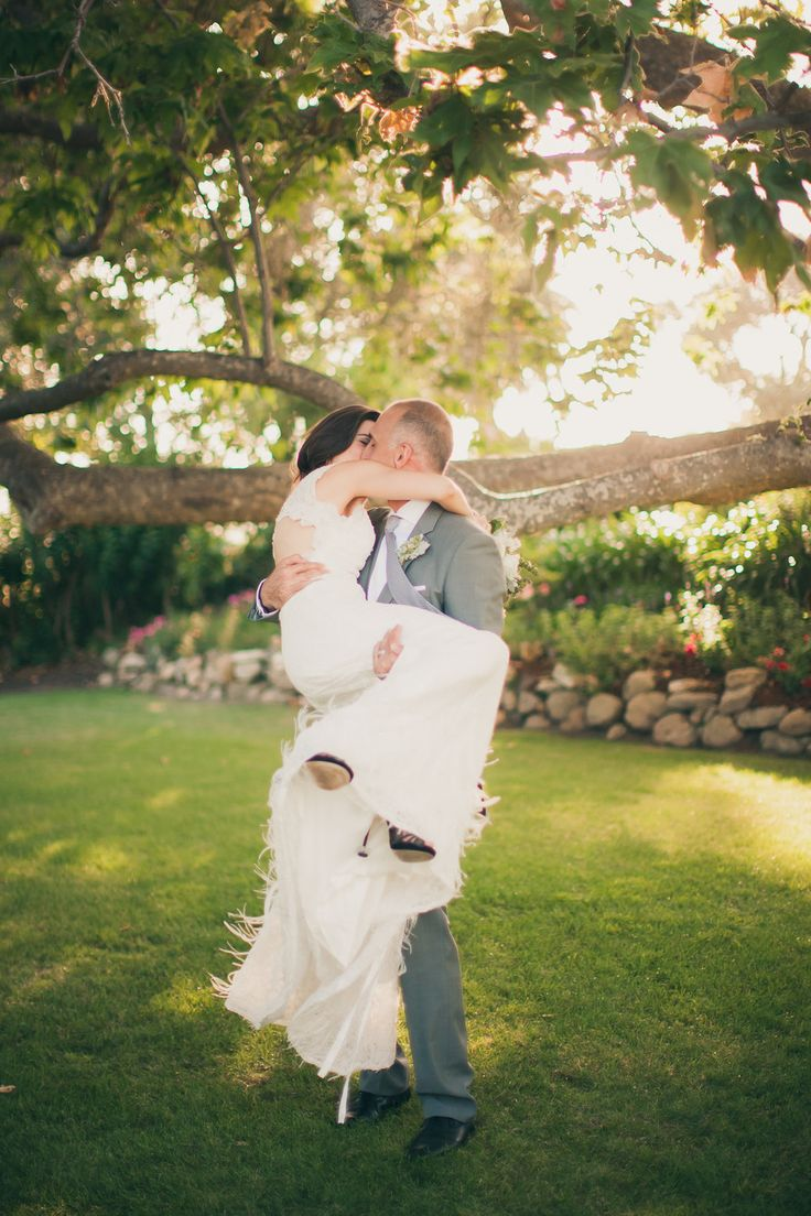 Modern Malibu Wedding from Zoom Theory  Read more - http://www.stylemepretty.com/2013/11/20/modern-malibu-wedding-from-zoom-theory/