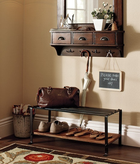 Pottery barn entry way decorating some pins can 39 t be for Pottery barn foyer ideas
