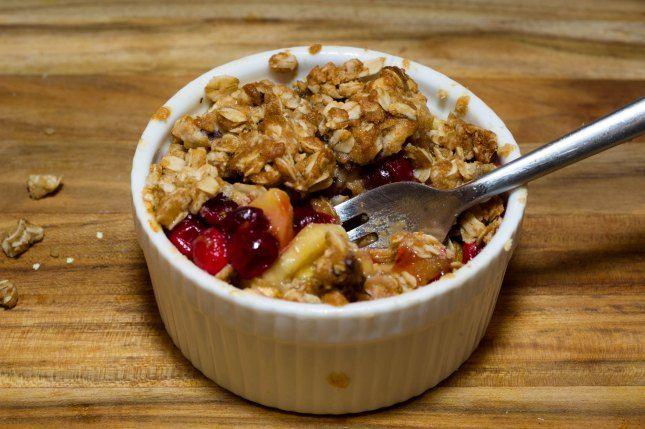 Individual Apple Cranberry Crisps | Cobblers and Crisps | Pinterest