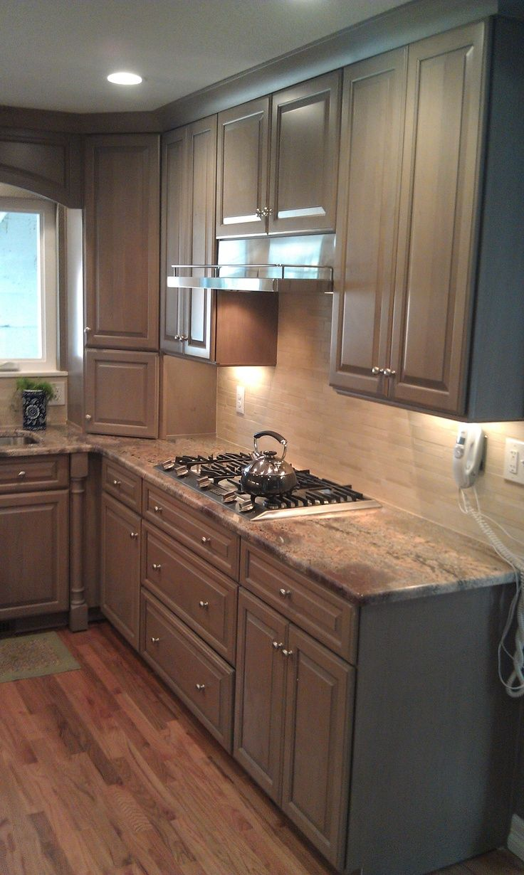 Grey kitchen cabinets and wood floors kitchen for Floor kitchen cabinets