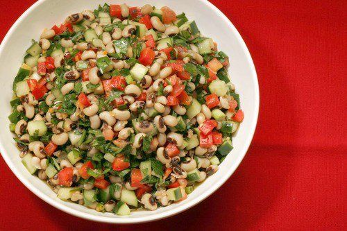 Salatu niebe – A colorful salad with black-eyed peas, which are ...