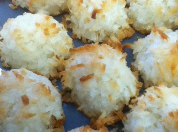 Coconut Macaroons   Cookies & Bars   Pinterest