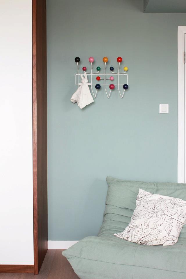Eames hook ligne roset togo seat l i v i n g pinterest - Togo ligne roset couleurs ...
