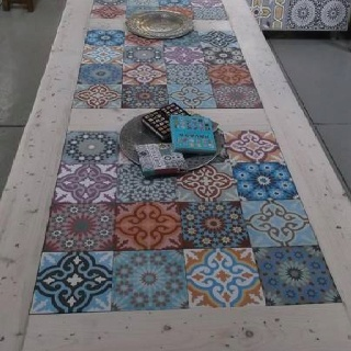 Tegels in steigerhouten tafel  cementtegel inspiratie  Pinterest