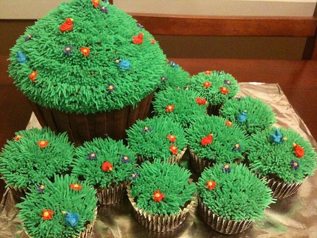 Grass Tip Cake Ideas and Designs